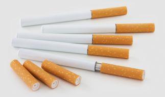 E-Zigaretten sind der neueste Schrei in Sachen Rauchwaren - doch wie gefährlich sind die elektronischen Glimmstängel wirklich? (Foto)