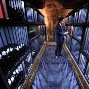 Edle Weine liegen zu Tausenden in Deutschlands einziger «Winebank» hinter Gittern.