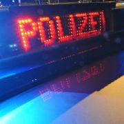 Mann (26) rast ungebremst in Geschäftsstraße - Frau (43) stirbt! (Foto)
