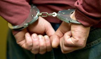 Ein 32-Jähriger sitzt in Untersuchungshaft - er soll seinen Bekannten getötet und verstümmelt haben. (Foto)