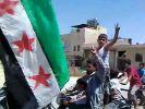 Ein Amateurvideo aus Syrien zeigt Rebellen, die sich schon über einen Sieg gegen das Assad-Regime freuen. (Foto)