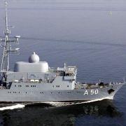 Ein Aufklärungsschiff der Deutschen Marine kreuzt vor der syrischen Küste.