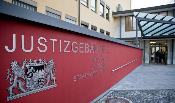 Bauarbeiter erschlägt Kollegen mit Schaufel - 15 Jahre Haft drohen (Foto)