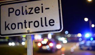 Ein Betrunkener lieferte sich eine 50 Kilometer lange Verfolgungsjagd mit der Polizei - mitten auf der Autobahn. (Foto)