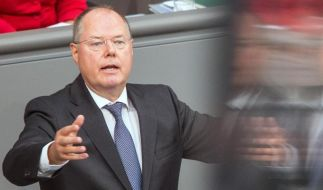 Ein Erpresser droht SPD-Kanzlerkandidat Peer Steinbrück. Er soll eine Putzfrau illegal beschäftigt haben. (Foto)