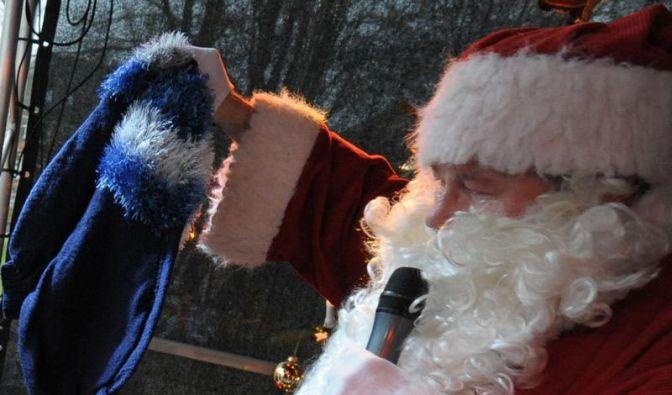 Ein Fest für Tausch-Freunde: Socken gegen Krawatte (Foto)