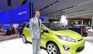 Ein Ford neben Ford. (Foto)