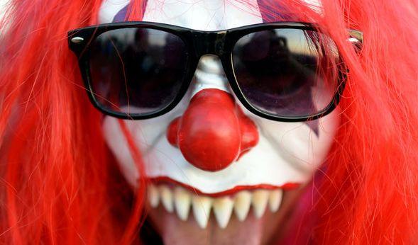 Schon wieder! Horror-Clown will Mädchen in Auto locken (Foto)