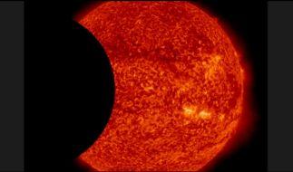 Ein NASA-Satellit schoss einzigartige Bilder einer doppelten Sonnenfinsternis. (Foto)