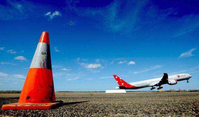 Ein Passagierflugzeug von Virgin Atlantic musste nach einem Laser-Pointer-Angriff notlanden (Symbolbild). (Foto)