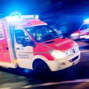 Rettungssanitäter von wütenden Männern verprügelt (Foto)