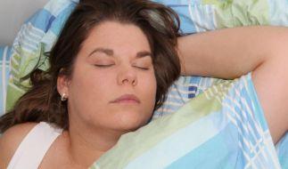 Ein gesunder Schlaf ist für die Regeneration des Körpers unentbehrlich. (Foto)