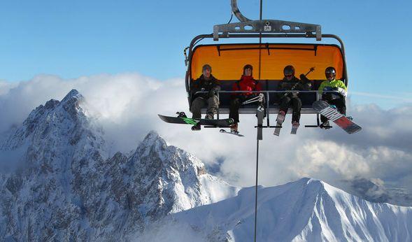 Ein Terror-Verdacht könnte den Skiurlaub trüben. (Symbolbild) (Foto)