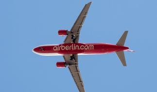 Eine Air Berlin-Maschine muss in München wegen eines Lochs in der Tragfläche notlanden (Symbolbild). (Foto)