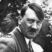 Eine riesige Installation von Adolf Hitler sorgte in Berlin für die Alarmierung der Polizei. (Symbolbild) (Foto)