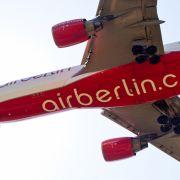 Air-Berlin-Flugzeug landet nach Bombendrohung (Foto)