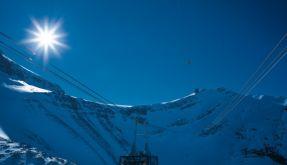 Eine supermoderne Seilbahn führt hinauf auf den «Glacier 3000», dem Skigebiet von Les Diablerets (Foto)