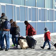 Eine Studie für das BAMF über den Umgang mit abgelehnten Asylbewerbern hat neue Maßnahmen zur Erhöhung der Zahl abgeschobener Ausreisepflichtiger empfohlen. (Foto)