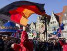 Eine lange Tradition hat das Feiern in Bremen: Der beliebte Freimarkt in der Hansestadt hat seine Wurzeln im 11. Jahrhundert. (Foto)