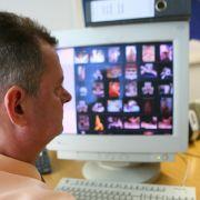 Eine UN-Studie von 2009 schätzte den weltweiten Umsatz durch Kinderpornografie auf drei bis 20 Milliarden US-Dollar.
