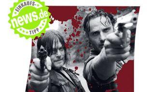 Einmal kuscheln mit Daryl Dixon und Rick Grimes bitte! Okay, die echten Serienhelden zeigen sich hier nicht anschmiegsam, dafür wird die flauschige Fleecedecke vom Konterfei der beiden Zombiejäger geziert (gesehen bei Amazon.de, 19,99 Euro). (Foto)