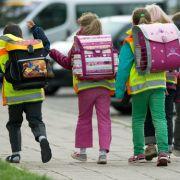 Einschulung 2015: Tipps für einen sicheren Schulweg. (Foto)