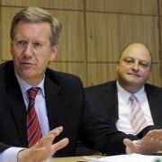 Einst enge Vertraute: Ex-Bundespräsident Christian Wulff (links) und sein Ex-Sprecher Olaf Glaeseker.