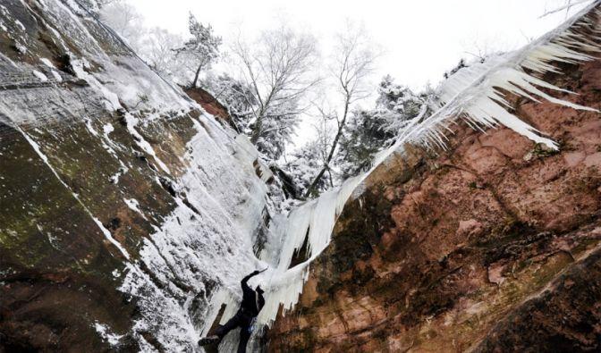 Eisklettern im Odenwald (Foto)