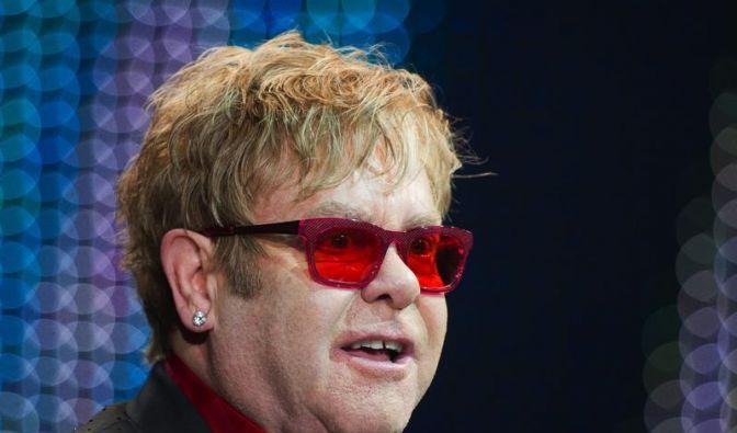 Elton John lästert über Madonna (Foto)
