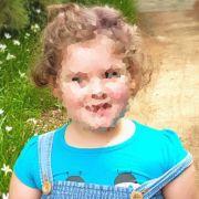 Emily ist gerade einmal fünf Jahre alt und leidet an einer verfrühten Pubertät.