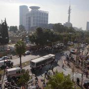 Ende November 2012 hatten mutmaßlich palästinensische Extremisten ganz in der Nähe einen Bombenanschlag auf einen Bus verübt, bei dem etwa 20 Menschen verletzt worden waren.