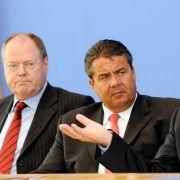 Ene, mene, muh, und raus bist du! Wer wird die K-Frage für sich entscheiden: Steinbrück, Gabriel oder Steinmeier (von links)?
