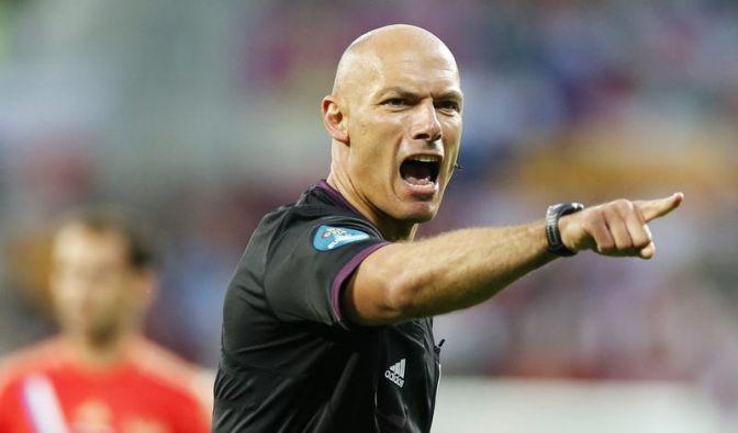 Engländer Webb pfeift Italien gegen Kroatien (Foto)