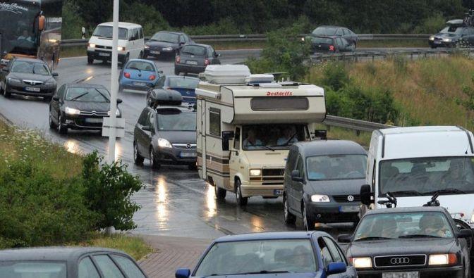 Entspannt unterwegs: Schnelle Tricks für lange Fahrten (Foto)