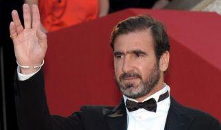 Eric Cantona: Vom Fußballgott zum Systemkritiker. Jetzt bläst Frankreichs Ex-Nationalstürmer zum Ang (Foto)