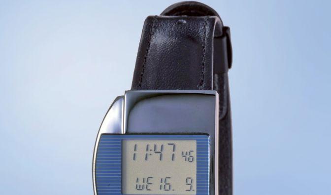 Erste Funkarmbanduhr der Welt Junghans Mega 1.jpg (Foto)