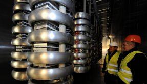 Erster kommerzieller Windpark benoetigt riesiges Stromkabel (Foto)