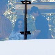 Erwischt! Mila Kunis und Ashton Kutcher sind wohl doch ein Paar.