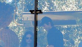 Erwischt! Mila Kunis und Ashton Kutcher sind wohl doch ein Paar. (Foto)