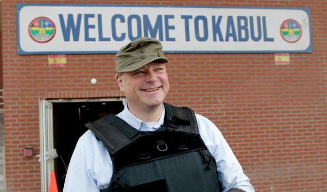 Es steht Ärger ins Haus: Entwicklungsminister Dirk Niebel bei einem Besuch in Afghanistan. (Foto)