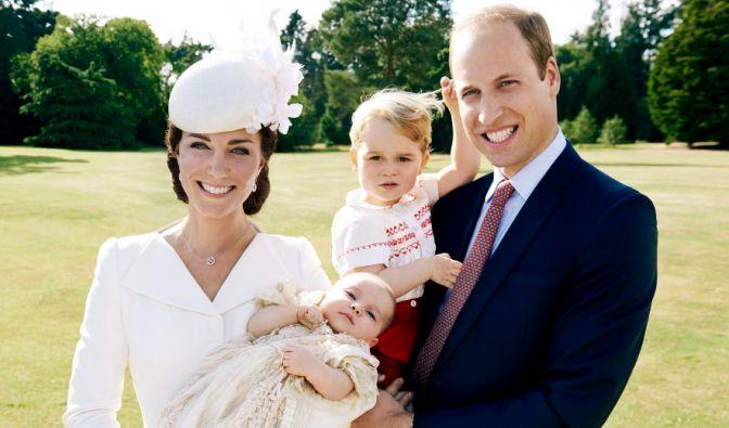 Es ist die wohl romantischste Liebesgeschichte unseres Jahrhunderts: Der künftige König von Großbritannien verliebte sich einst in ein bürgerliches Mädchen. Hier ist die Geschichte von Prinz William und seiner Kate. (Foto)
