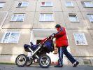 150 Euro im Monat sollen Mütter bekommen, die ihr Kind zu Hause betreuen. (Foto)