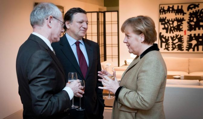 Europa streitet ueber Größe des Rettungsschirms ESM (Foto)