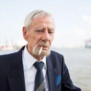 Darum ist ein 80-jähriger Ex-Kapitän jetzt Facebook-Star! (Foto)