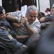 Ex-Schachweltmeister Garry Kasparov wurde am Rande des des Urteilsspruchs gegen die Punkband Pussy Riot festgenommen.