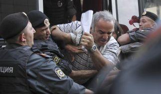 Ex-Schachweltmeister Garry Kasparov wurde am Rande des des Urteilsspruchs gegen die Punkband Pussy Riot festgenommen. (Foto)