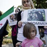 Exilsyrer protestieren weltweit gegen das Blutvergießen in ihrem Land.