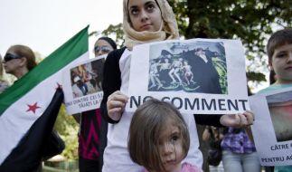 Exilsyrer protestieren weltweit gegen das Blutvergießen in ihrem Land. (Foto)