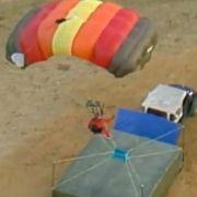 Mit dem Fallschirm in die Unterhose.