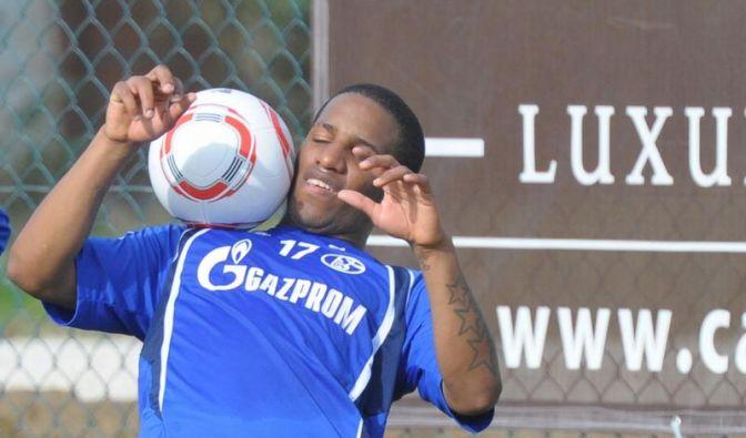 Farfan im Schalker Mannschaftstraining (Foto)